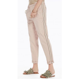 PANTALÓN MAISON CHINO REGULAR LIGHT BLUSH MUJER