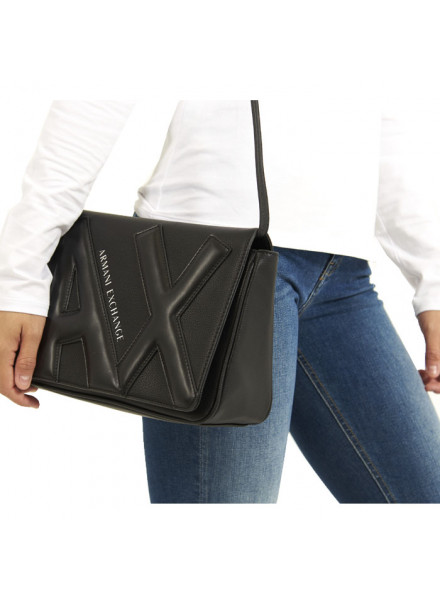 Bolso Bandolera Armani Exchange Color Negro Mediano